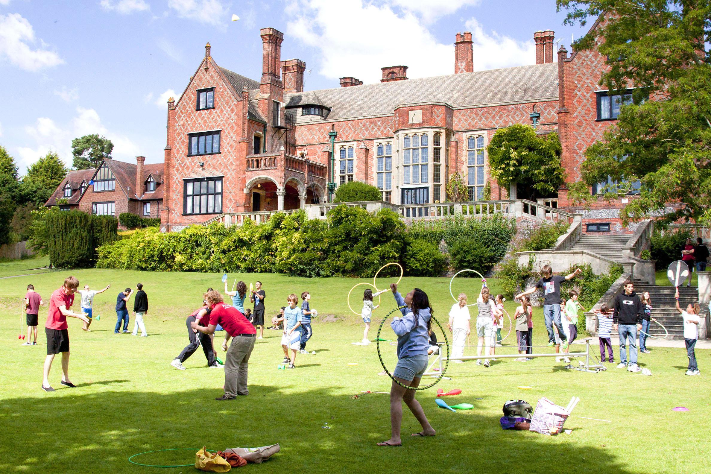 Curso escolar en Inglaterra. ESO, Primaria, Bachillerato